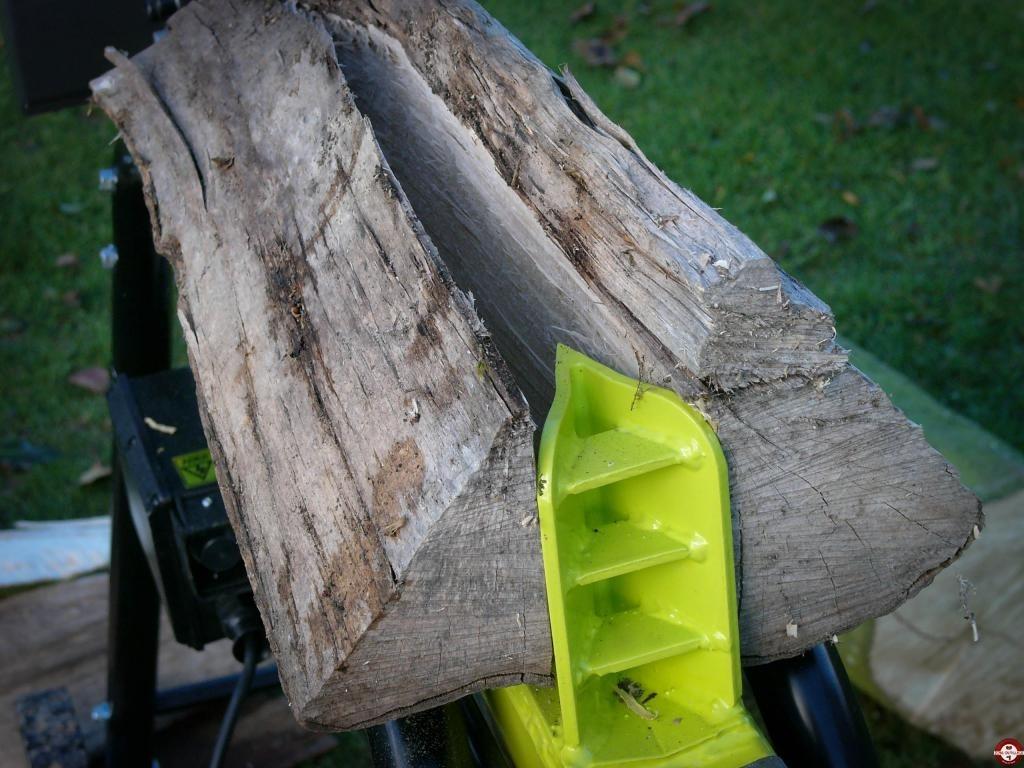 łupanie drewna łuparka